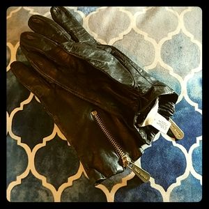 Beautiful Michael Kors leather gloves
